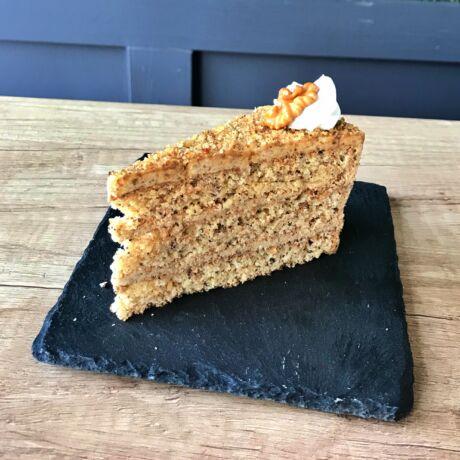 Dió torta szelet